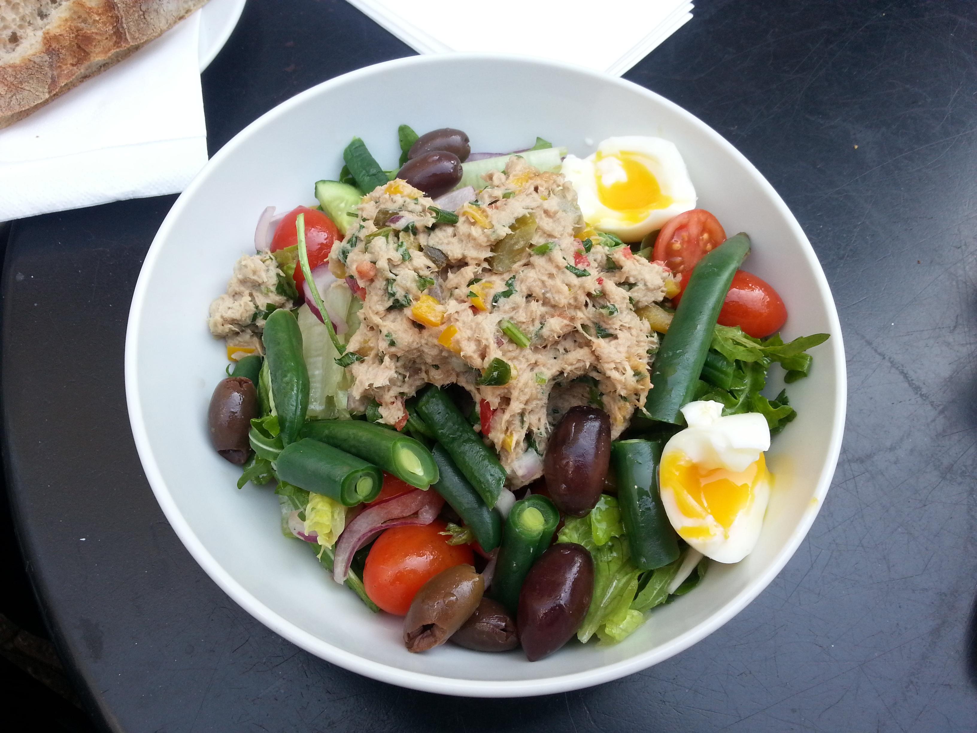 Rezepte zum Muskelaufbau: Thunfisch-Kartoffel-Salat mit Ei